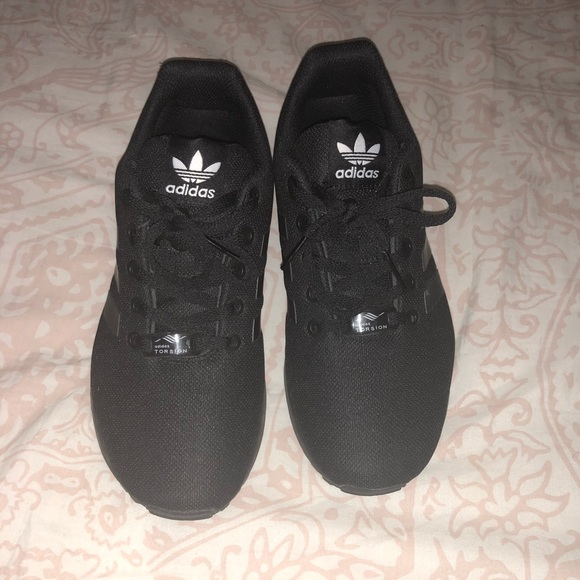 brand new 6d838 eb4ea Women's All Black ZX Flux Adidas Shoes
